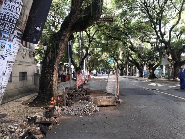 Local da queda da árvore está passando por obras   Foto: Leow Lopes   Cidadão Repórter