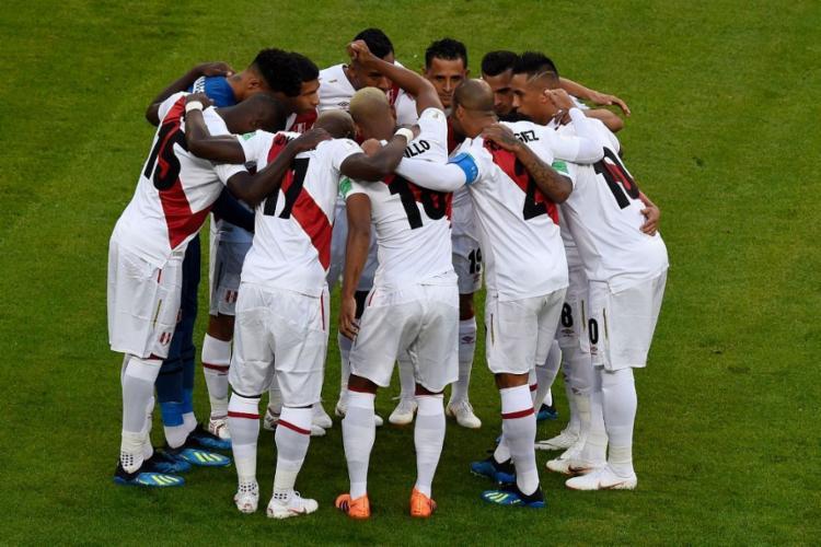 A doação foi feita por todos os jogadores da seleção, a comissão técnica liderada pelo argentino Ricardo Gareca e a FPF | Foto: Juan Barreto | AFP - Foto: Juan Barreto | AFP