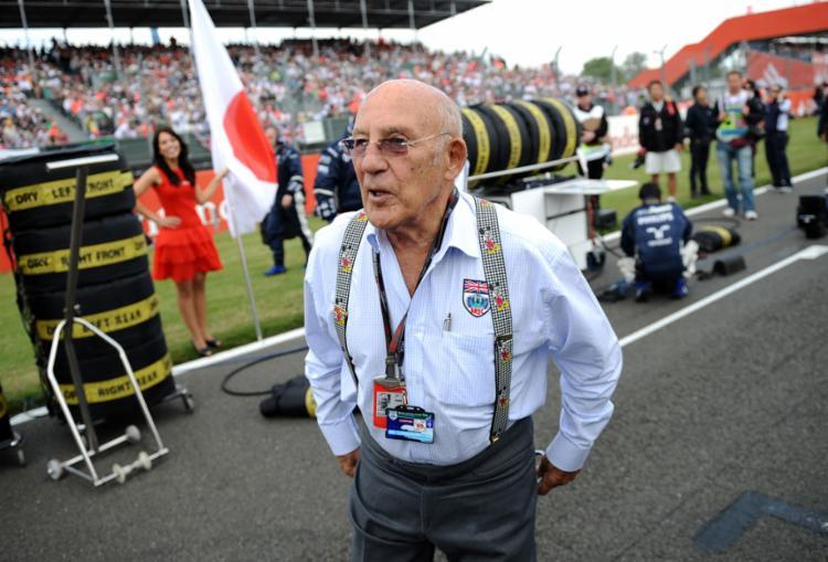 A carreira de Stirling Moss na Fórmula 1 foi entre o final dos dias gloriosos de Fangio e o início de Jim Clark, privando-o de mais sucessos | Foto: Fred Dufour | AFP - Foto: Fred Dufour | AFP