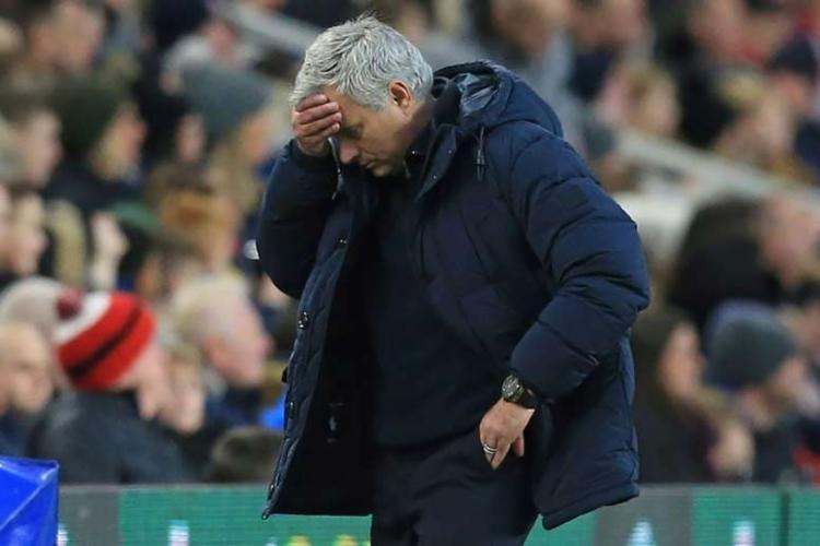 O treinador português foi fotografado treinando com Tanguy Ndombele no Hadley Common | Foto: AFP - Foto: AFP