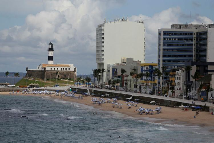 Milhares de pacotes turísticos foram cancelados entre março e abril | Foto: Raul Spinassé | Ag. A TARDE - Foto: Raul Spinassé | Ag. A TARDE