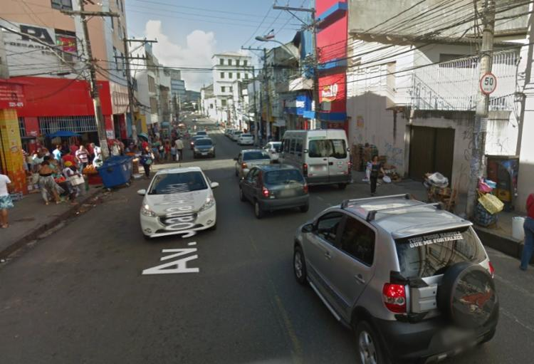 Equipes da Transalvador estiveram no local para orientar o trânsito e aguardar a chegada do DPT   Foto: Reprodução   Google Maps - Foto: Reprodução   Google Maps
