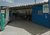 Vídeo: funcionário tenta atear fogo na recepção de UPA   Reprodução   Google Street View