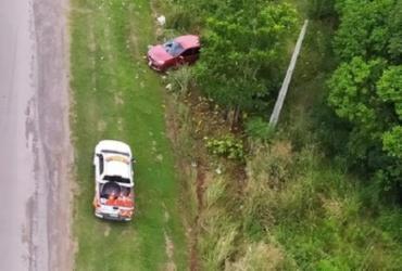 Após capotamento, família fica ferida em acidente na BR-324