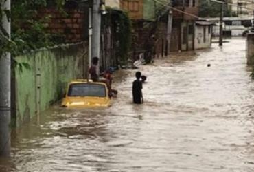 Adolescente desaparece após 'surfar' em córrego na região do Imbuí | Reprodução | Informe Baiano