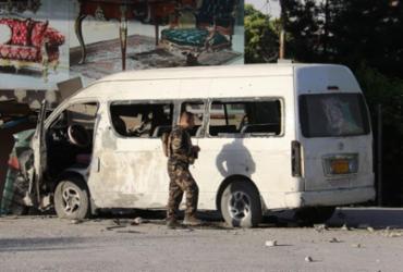 Funcionários de canal de TV morrem em atentado na capital afegã | STR | AFP