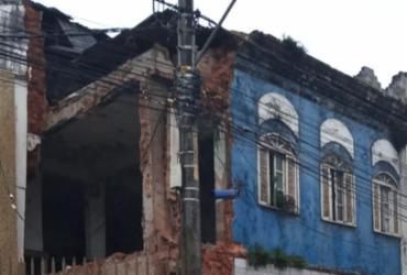 Casarão desaba no Rio Vermelho; via é parcialmente interditada | Cidadão Repórter