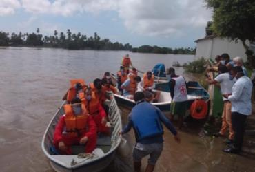 Bombeiros resgatam pessoas ilhadas no município de Conde | Divulgação | CBMB