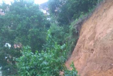 Deslizamento de terra preocupa moradores de Pau da Lima | Cidadão Repórter