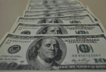 Dólar cai para R$ 5,27, mas tem primeira alta semanal desde março | Marcello Casal Jr | Agência Brasil
