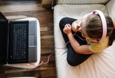 Brasil tem 4,8 milhões de crianças e adolescentes sem internet em casa | Reprodução | Freepik