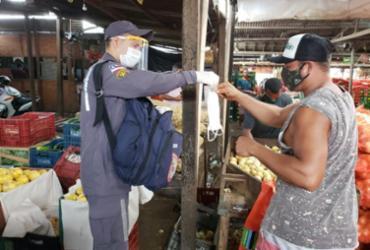 População de Feira de Santana recebe máscaras faciais de proteção