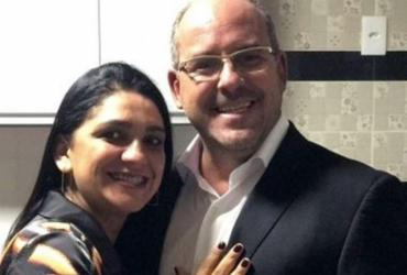 Prefeito de Jaguaquara nomeia esposa para cargo em secretarias municipais