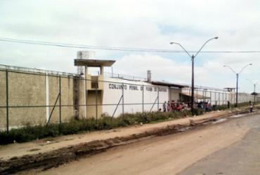 Justiça determina transferência de presos com Covid-19 para Feira Santana