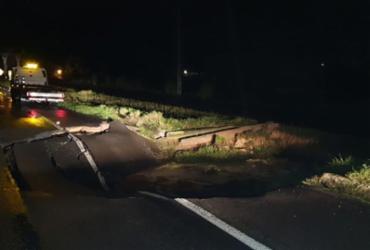 Via auxiliar de trecho danificado na BR-324 é liberada para tráfego | Divulgação | PRF