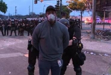 Repórter da CNN é detido ao vivo durante cobertura de protesto nos EUA | Reprodução | CNN