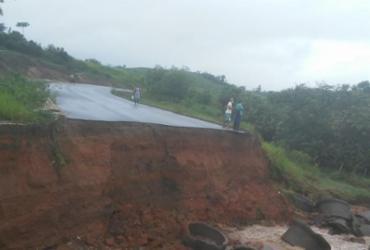 Desvio é construído após trecho da BR-101 desabar entre Bahia e Sergipe | Divulgação | PRF