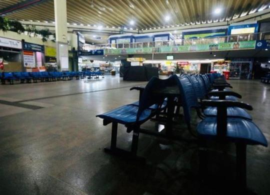 Mais 33 cidades na Bahia têm transporte intermunicipal suspenso   Felipe Iruatã   Ag. A TARDE