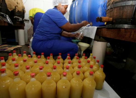 Venda de licor cresce em Cachoeira mesmo após cancelamento do São João   Joá Souza   Ag. A TARDE