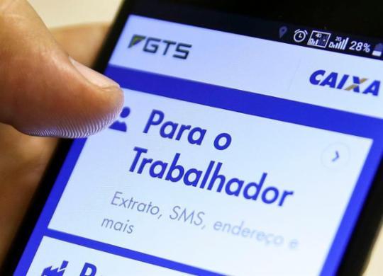 Saque aniversário do FGTS poderá ser usado para garantir empréstimos   Marcelo Camargo   Agência Brasil