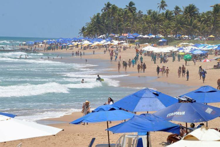 Em termos turísticos, Salvador se destaca não só pela sua história e cultura, como também pelo chamado turismo de 'sol, areia e mar' - Foto: Shirley Stolze | Ag. A TARDE