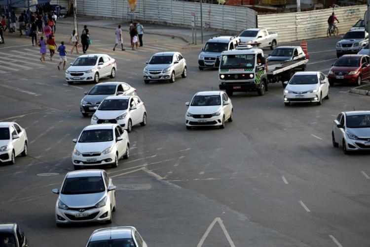 Projeto do Executivo prevê penalidades menores para motorista | Foto: Felipe Iruatã | Ag. A TARDE - Foto: Felipe Iruatã | Ag. A TARDE