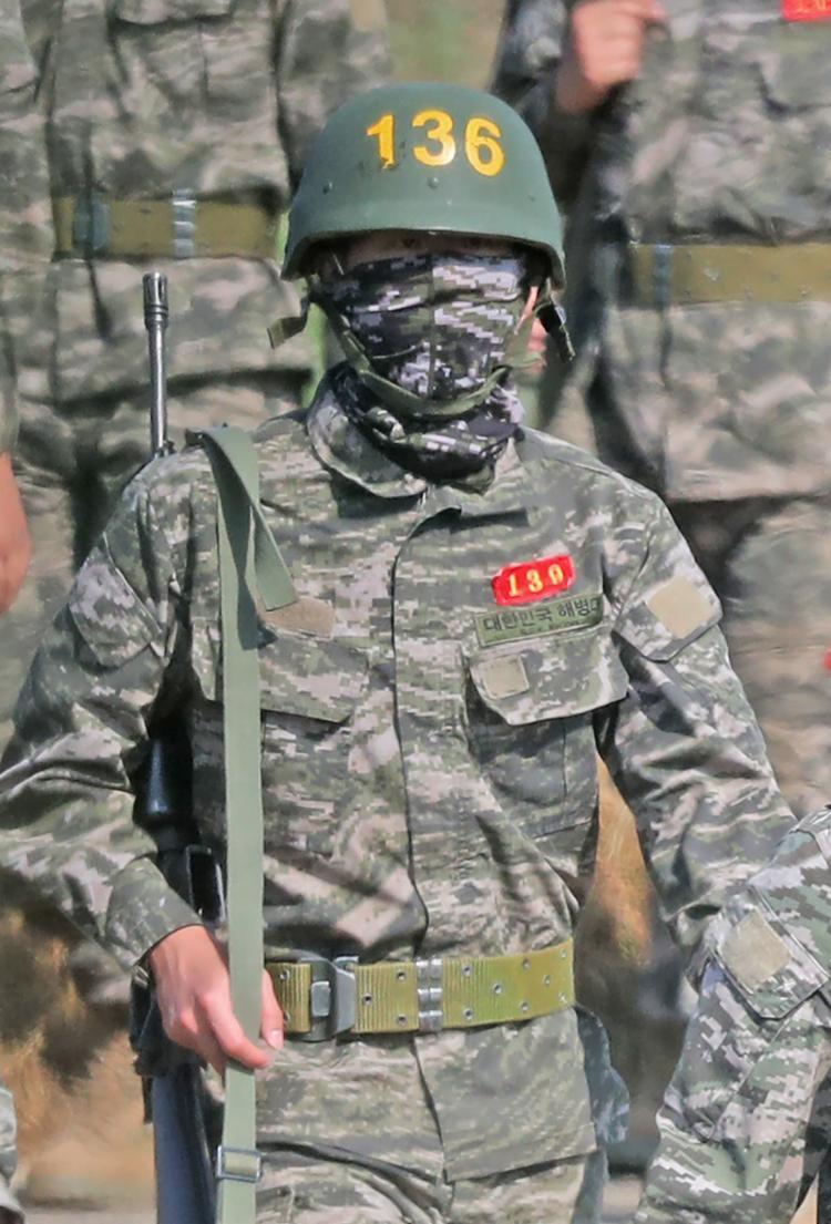 Son em serviço pelo exército sul-coreano | Foto: Yonhap | AFP - Foto: Yonhap | AFP