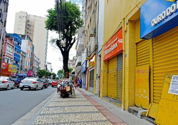 Lojas fechadas em Salvador: prejuízo de agora pode ser recuperado no longo prazo, indica pesquisa da UFMG | Foto: Shirley Stolze | Ag. A TARDE - Foto: Shirley Stolze | Ag. A TARDE