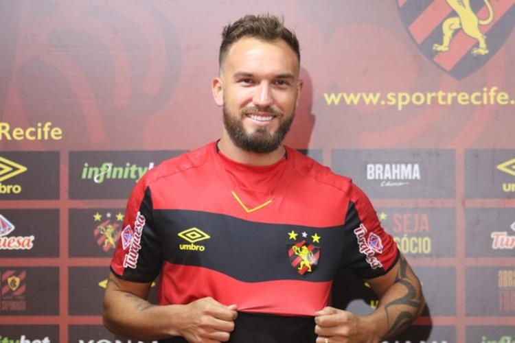 William Farias chegou ao time pernambucano no fim de 2019 | Foto: Marlon Costa | Pernambuco Press - Foto: Marlon Costa | Pernambuco Press