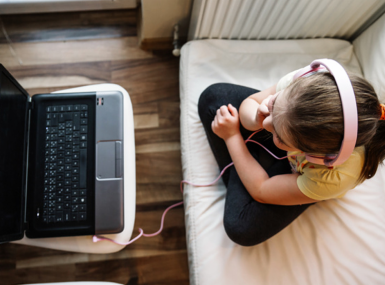 Número de crianças sem acesso à internet em casa ainda é alto no Brasil | Foto: Reprodução | Freepik - Foto: Reprodução | Freepik