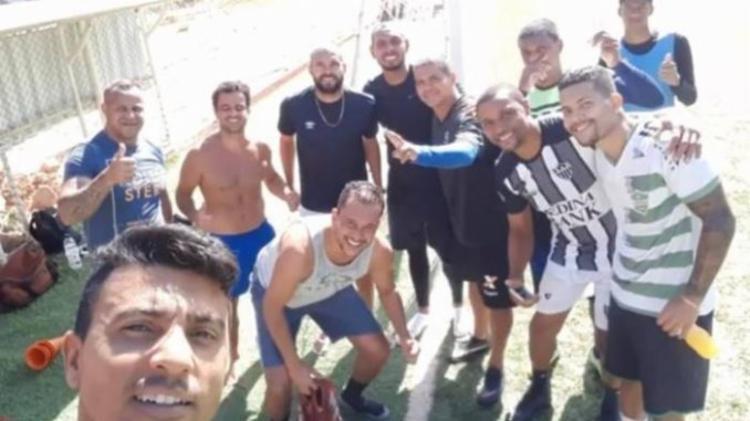 Jogadores quebraram quarentena para jogar futebol neste domingo | Foto: Reprodução | Redes Sociais - Foto: Reprodução | Redes Sociais