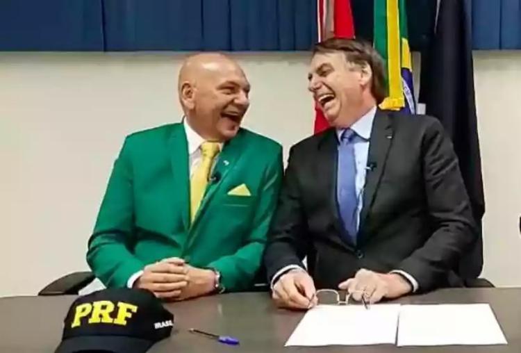 Bolsonaro e Hang são grandes amigos   Foto: Reprodução   Redes Sociais - Foto: Reprodução   Redes Sociais