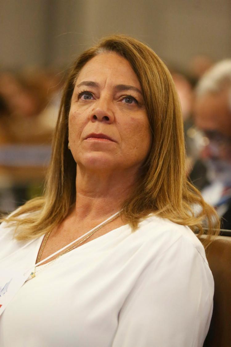 Fabíola: 'O problema está lá no Ministério da Saúde' | Foto: Rafael Martins | Ag. A TARDE - Foto: Rafael Martins | Ag. A TARDE