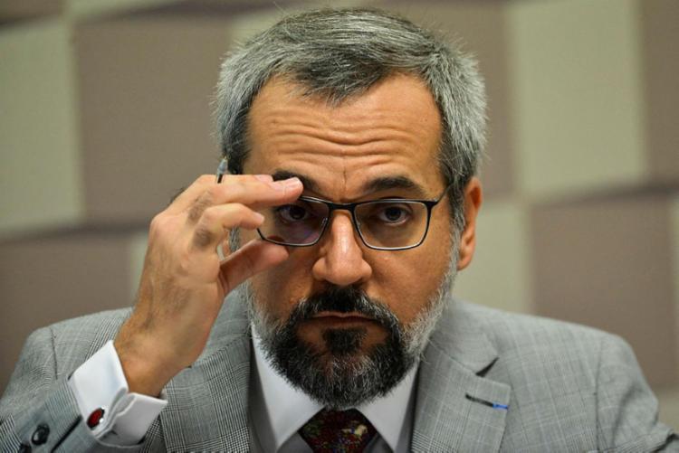 O ministro Abraham Weintraub já tinha sugerido no Twitter que o Enem fosse adiado - Foto: Marcelo Camargo | Agência Brasil