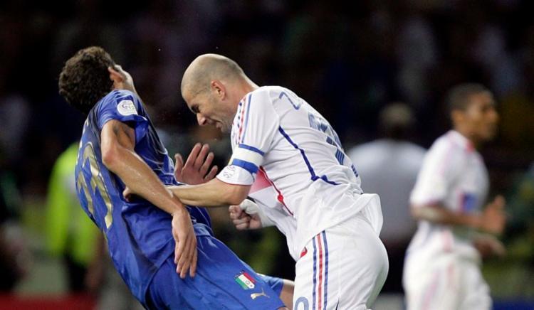 A provocação acabou ajudando a Itália na conquista do tetracampeonato mundial, já que o francês foi expulso e ficou fora da decisão dos pênaltis | Foto: Divulgação | FIFA - Foto: Divulgação | FIFA