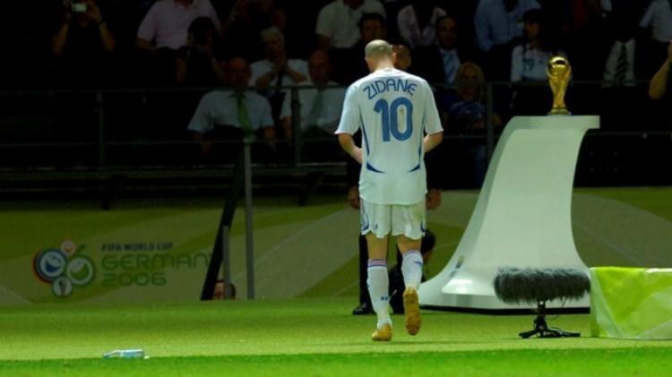 A agressão fez com que Zidane se despedisse dos gramados de forma melancólica | Foto: Divulgação | FIFA