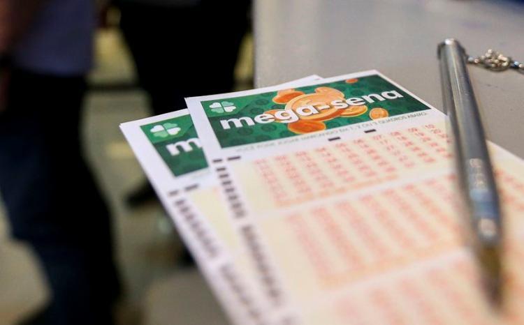 Apostas podem ser feitas até às 19h do dia do sorteio, em qualquer lotérica ou pela Internet   Foto: Marcelo Camargo   Agência Brasil - Foto: Marcelo Camargo   Agência Brasil