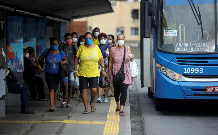 Máscaras de proteção são essenciais para reduzir os riscos de contato com partículas contaminadas | Felipe Iruatã | Ag. A TARDE - Foto: Felipe Iruatã | Ag. A TARDE