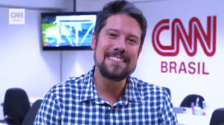 Apresentador não percebeu que estava ao vivo - Foto: Reprodução | CNN Brasil