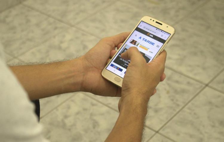 Leitores poderão receber os destaques do dia através do WhatsApp | Foto: Keyla Pereira | Ag. A TARDE - Foto: Keyla Pereira | Ag. A TARDE