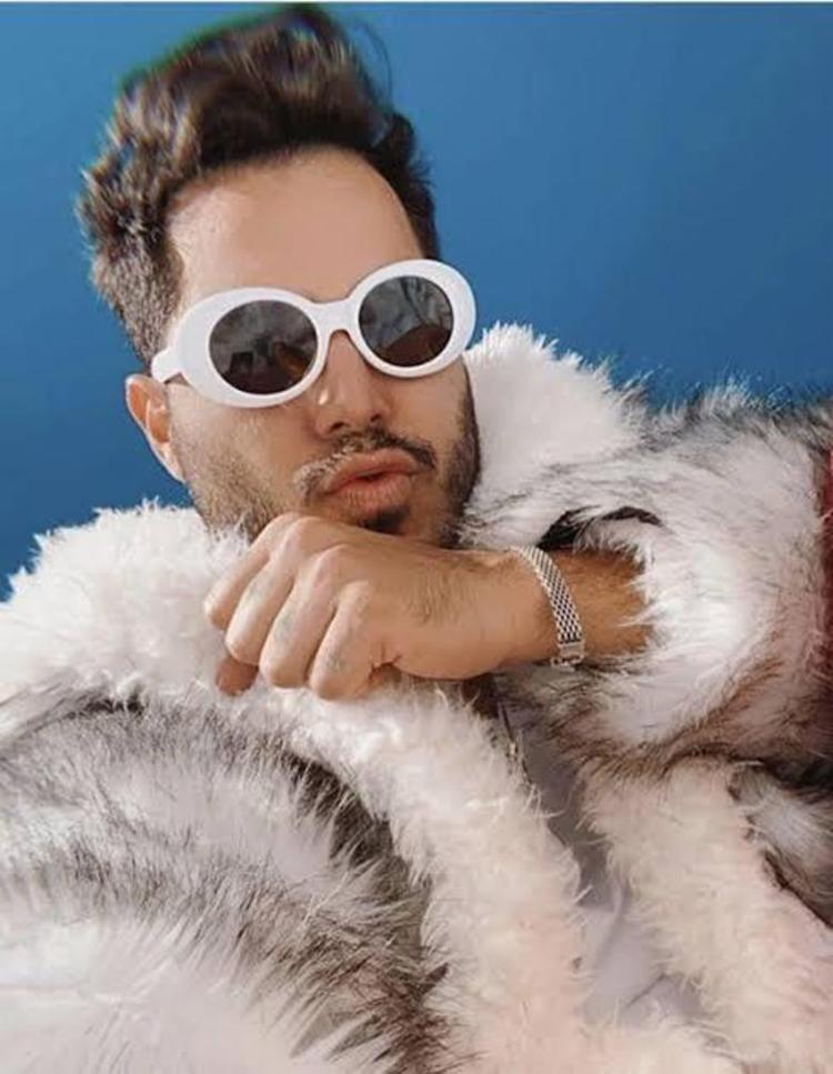 Em seu repertório, Tom promete incluir diversos hits que costumam marcar forte presença em seus shows de Carnaval | Foto: Divulgação - Foto: Divulgação