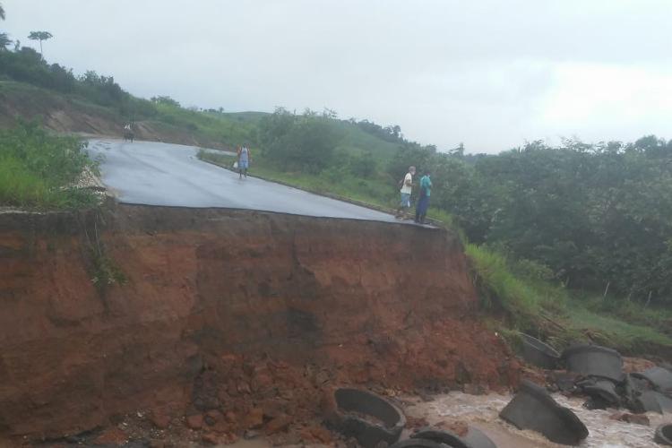 Trecho cedeu no KM 202 da rodovia | Foto: Reprodução - Foto: Divulgação | PRF