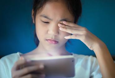 Excesso de uso de aparelhos eletrônicos durante isolamento social pode prejudicar a visão | Reprodução | Freepik