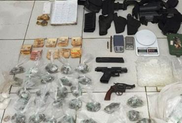 Polícia descobre acampamento de tráfico de drogas em Porto Seguro