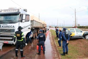 No município de Luís Eduardo Magalhães, caminhoneiros são monitorados na estrada | Foto: Ascom LEM | Divulgação - Ascom LEM | Divulgação