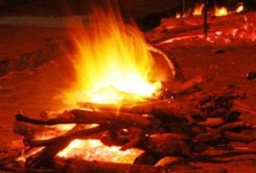 Prefeitura de Camaçari proíbe fogueiras e fogos de artifícios durante pandemia