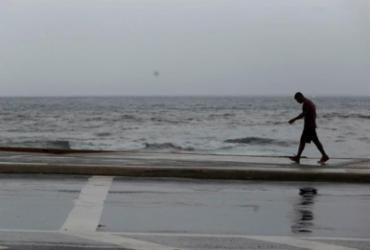 Salvador tem previsão de céu nublado e chuva para o fim de semana | Raul Spinassé | Ag. A TARDE