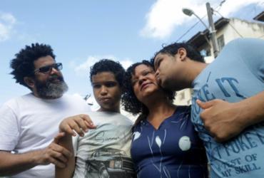 Desde março, Cristina Melo, 53, está em isolamento social com marido e seus dois filhos, Lucas e Gabriel, gêmeos de 16 anos - Felipe Iruatã | Ag. A TARDE