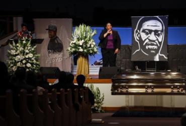 Símbolo de protestos, George Floyd é enterrado em Houston | Pool | Getty Images via AFP