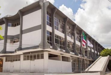 Prefeitura de Simões Filho suspende contrato de professores do Reda sem aviso prévio